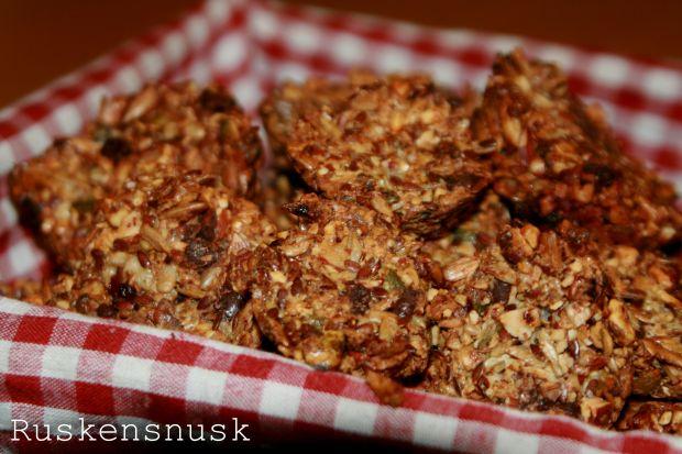 Morgenmad stenaldermuffins med tranebær og chokolade